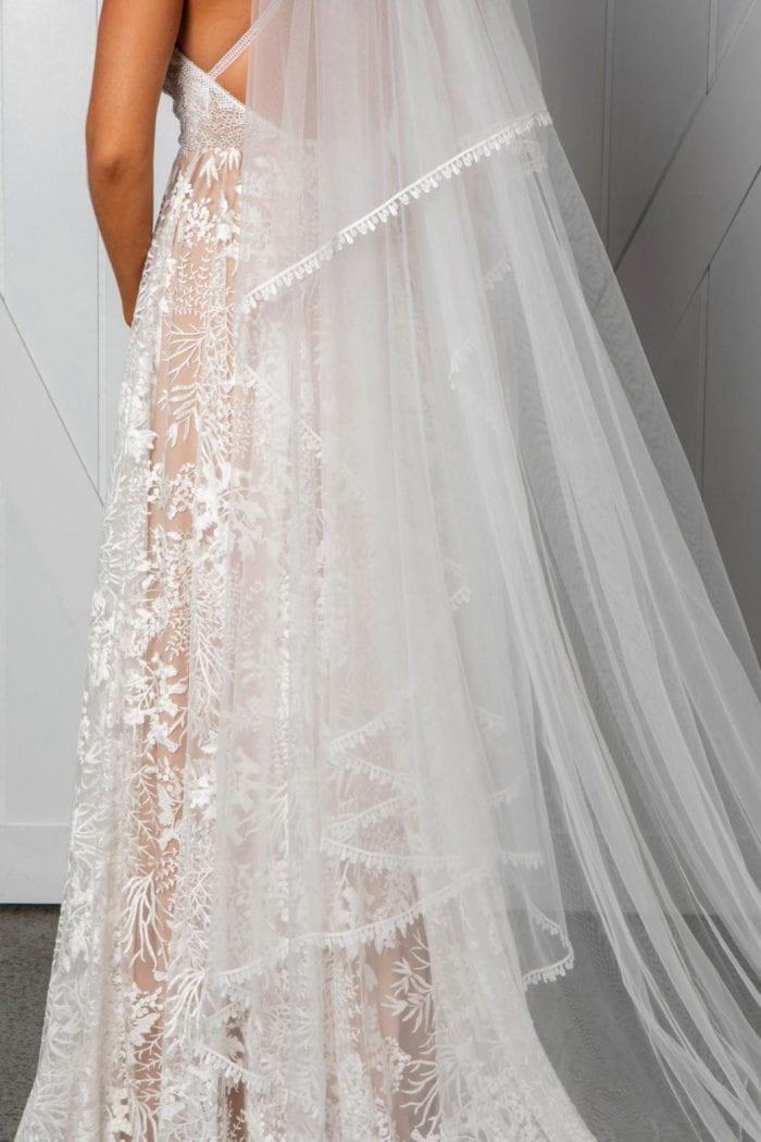 Close-up shot of Grace Loves Lace Fox Veil showing raindrop trim