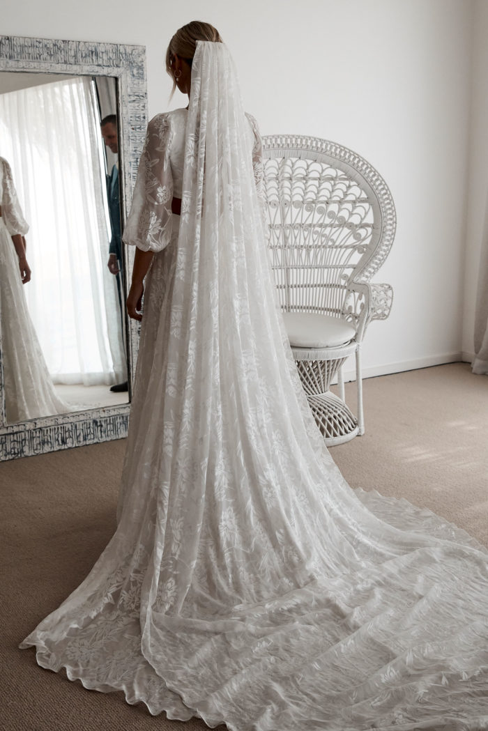 Behati_Wedding_Gown_with_veil