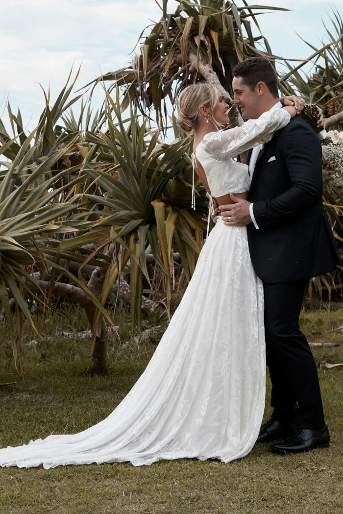 Behati_Wedding_Gown_moment